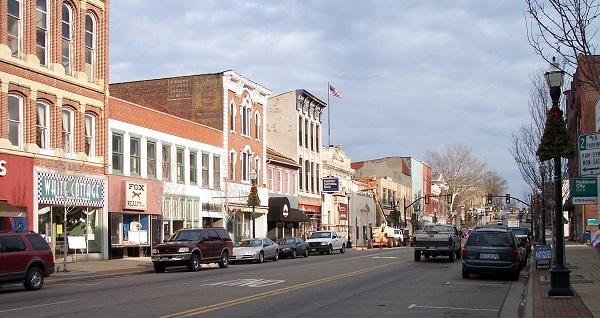 Lancaster_Ohio_Main_Street_sm